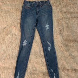 Universal Thread High Waisted Ripped Jeans 2 / 26